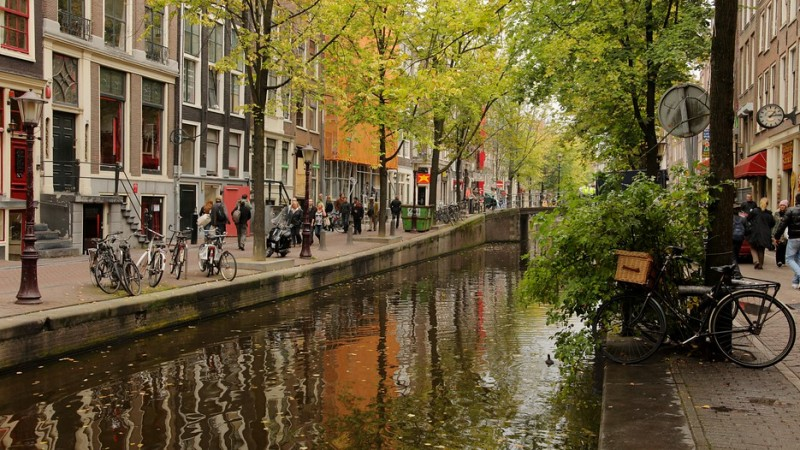 discovering Amsterdam by bike