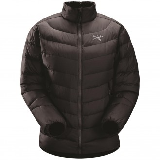 outdoor clothing - insulating mid layer as part of a layering system