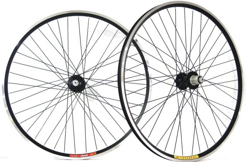 mountain bike or road bicycle size wheels for cycle touring